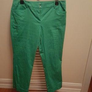 Green capris